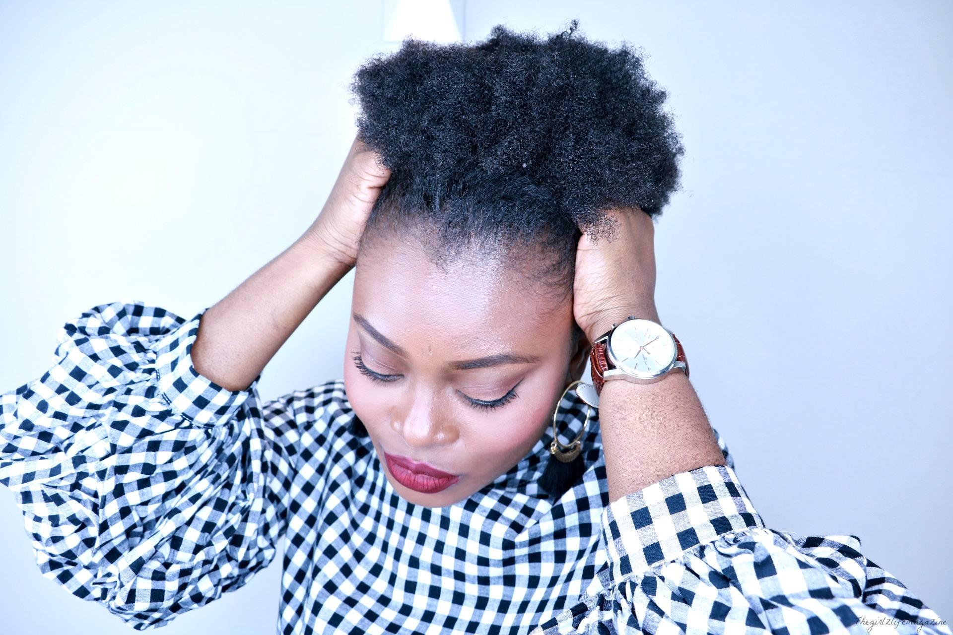 Hiver et cheveux crépus